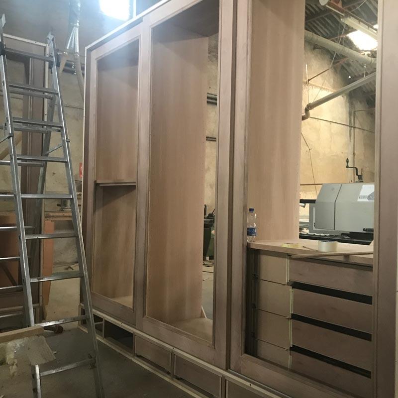 armadio fronte baldi mobili